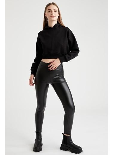 DeFacto Kapüşonlu Relax Fit Crop Sweatshirt Siyah